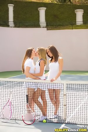 Tennis-loving babes eating each other's pussies on the court