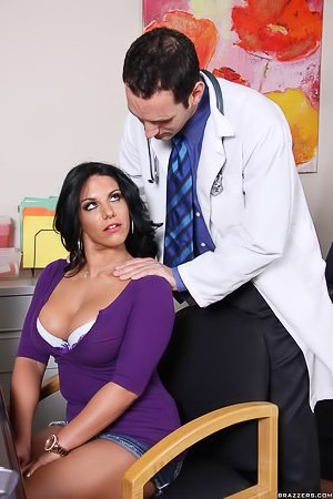 Denim skirt brunette patient fucking her big-dicked doctor on a spot